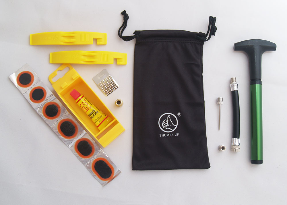 BICYCLE TYRE PUNCTURE REPAIR KIT WITH NYLON TYRE LEVERS, MINI PUMP & CARRY BAG